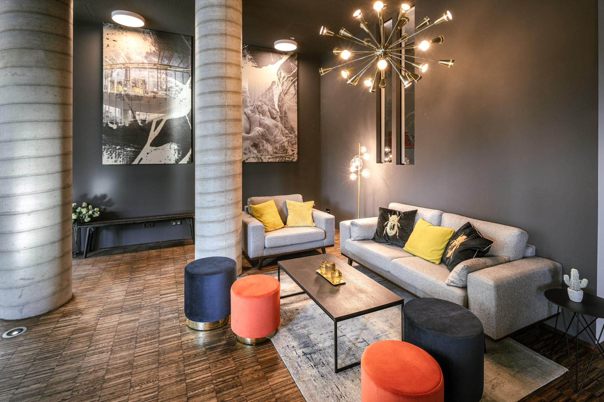 modern eingerichtete Lobby im JOYN Serviced Apartment Wien