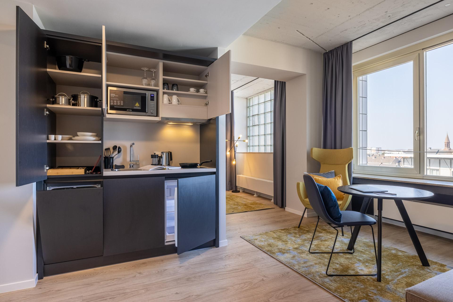vollausgestattete Küche im Serviced Apartment in Köln